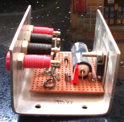 9V regulator built using a 7805 and a 4.3V Zener diode - side view 1